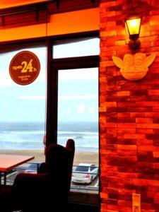 韓国のカフェ は24時間営業のお店が多くて便利!! Wi-fi も入るよ!